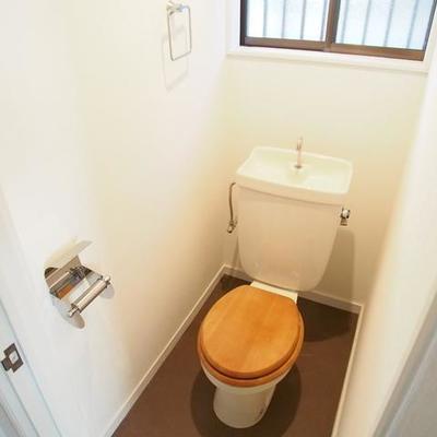 トイレは木製便座を♪