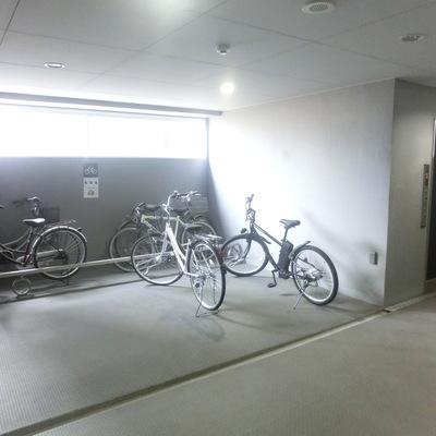 なんと各階に駐輪場!
