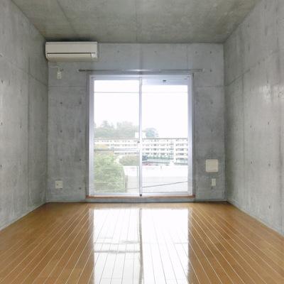 シンプルなお部屋です