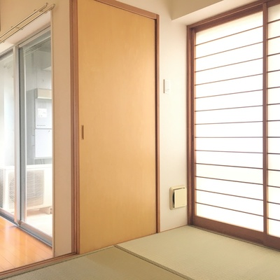 開ければ和室!