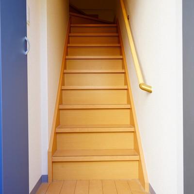 玄関入って階段になります!