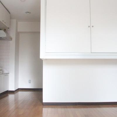 広さに余裕のあるキッチンを兼ねた廊下