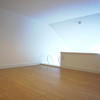 ロフトには窓がないので1階の換気をこまめに※写真は別部屋です。