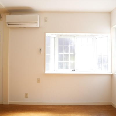 窓もレトロですね