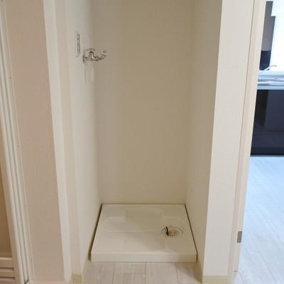 洗濯機置場はお風呂のとなりに。
