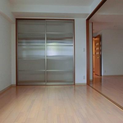 こちらは6.2帖の洋室。