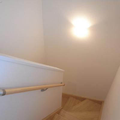 階段。※写真は反転タイプです