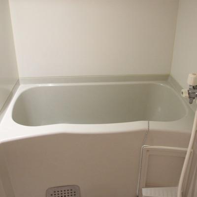 シンプルイズベスト。オーソドックスなお風呂(通電前)