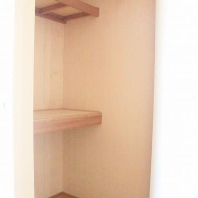 廊下には大容量のクローゼット
