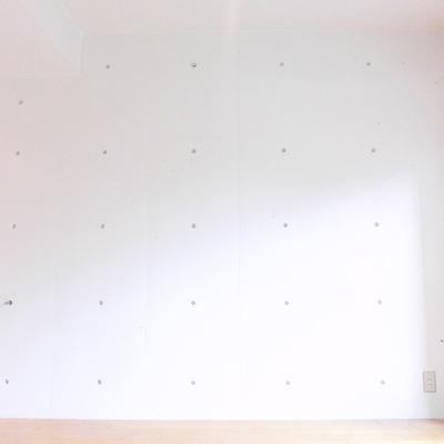 2階の壁紙コンクリ!