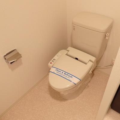 トイレは個室ではありません