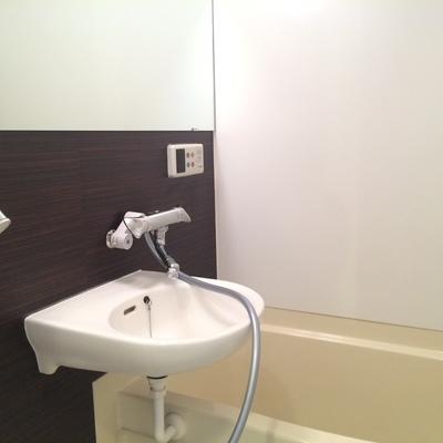 お風呂と洗面台はセットです