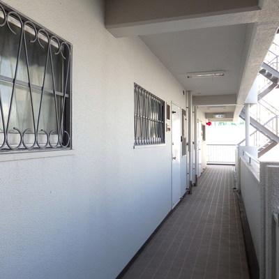 廊下は年代を感じます