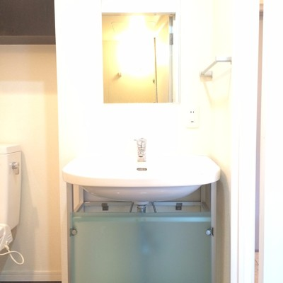 トイレと同じスペースに洗面台