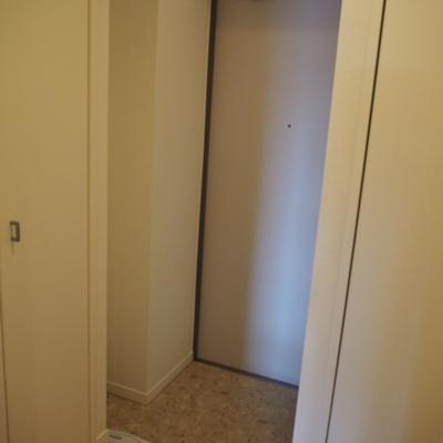 玄関のスペース!シューズボックスも2つあります。※写真は別部屋です