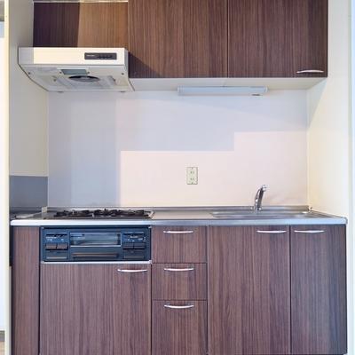 ちょいとレトロなキッチン、設備はばっちり◎