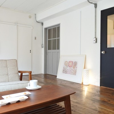 カフェみたいな空間。扉が可愛い!