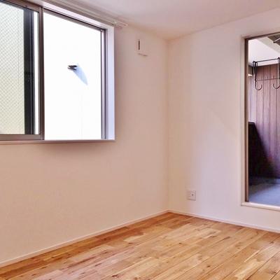 階段上がって左側のお部屋。