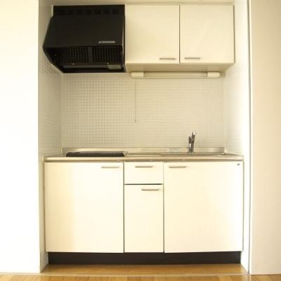 キッチンは2口のIHで仕切り戸で隠せます