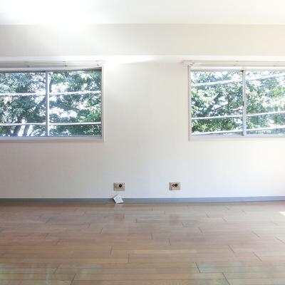 窓が大きい〜明るい〜