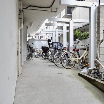 駐輪場はオートロックの中にあるので安心