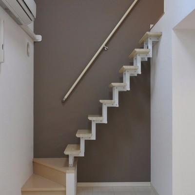 ロフトは登りやすい階段で!