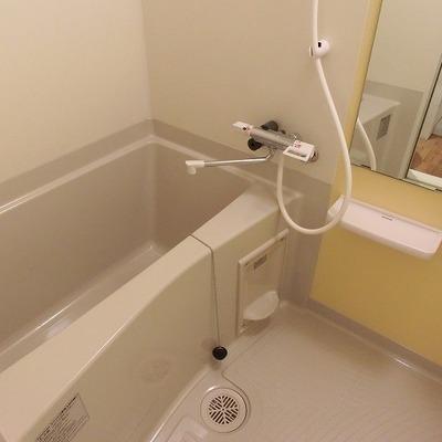 浴室乾燥機つきのお風呂 ※写真は別部屋