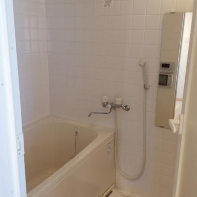 お風呂、浴室乾燥機あり、機能的