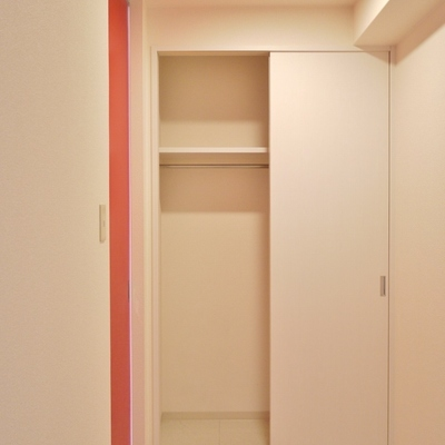 ここは物置にする?それとも寝る部屋。