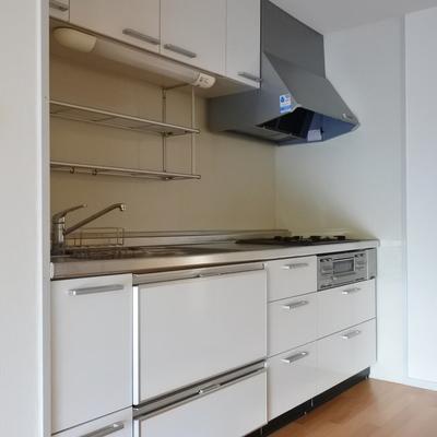 キッチンは引き出しタイプで使いやすい!