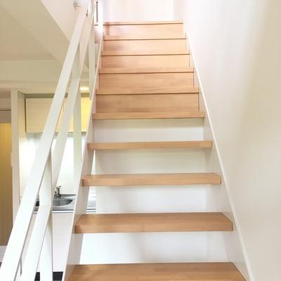 いざ二階へ・・GO!!