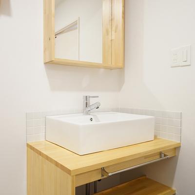 洗面台も造作で大きなものを!