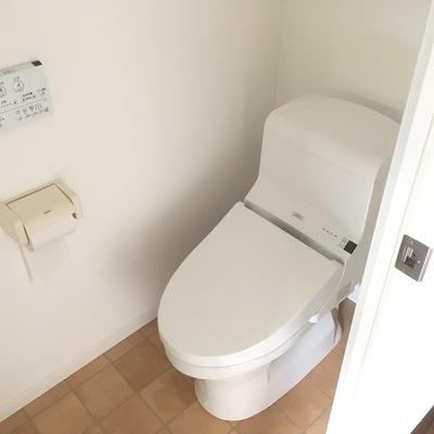 トイレは綺麗でウォシュレット付き♪