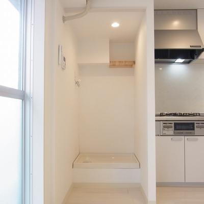 ここは洗濯機置場です。洗濯しない方なら冷蔵庫が置けます!