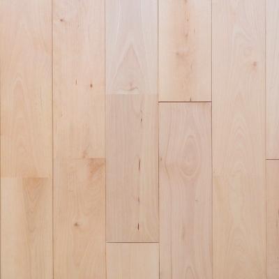 本物の木を使ったフローリング材 ※写真は別部屋です