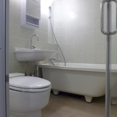 バス・トイレ・洗面台一緒、海外風ですね!*写真は別のお部屋です