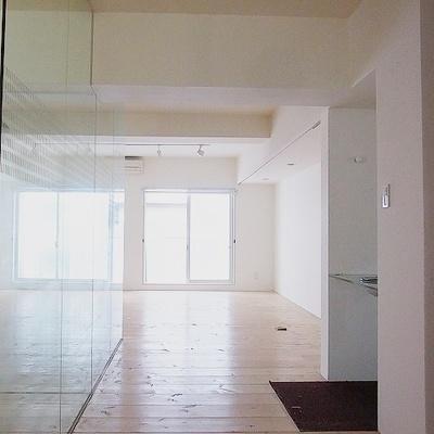 玄関から ※画像別室