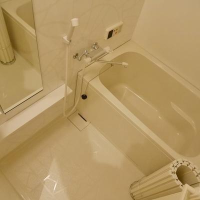 お風呂には浴室乾燥あり。追炊きはなし。