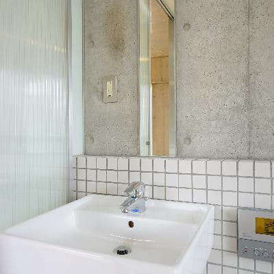 洗面台はスキっとお洒落※画像は別室です。