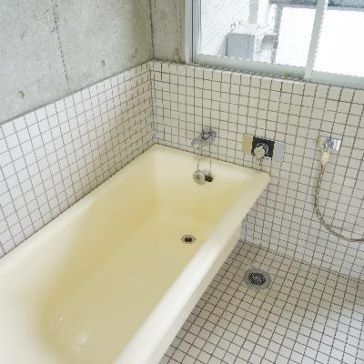 窓が嬉しい乾燥機付きのお風呂※画像は別室です。