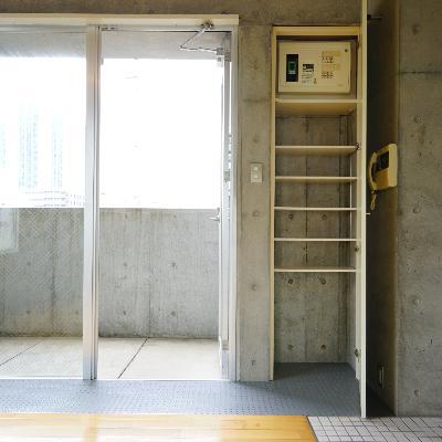下駄箱はこれくらい。※画像は別室です。