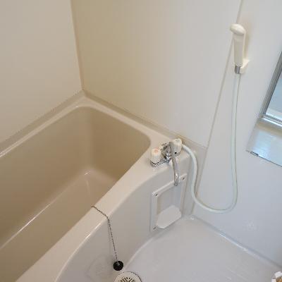 お風呂は個室ですよ♪