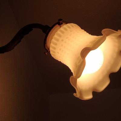 玄関横にはこんな可愛らしいランプも。