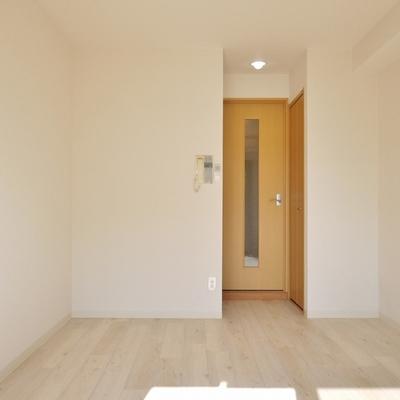 白を貴重にしているので、どんなお部屋にも変身できちゃう。