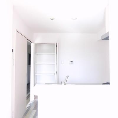 キッチンのちょっとした棚が嬉しい