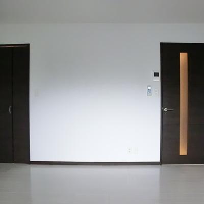 左はWIC、右は入り口。シンプル。