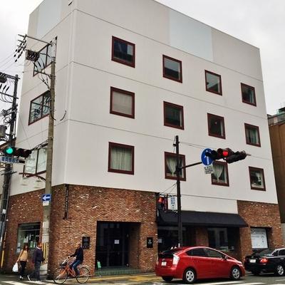 2階から上はホワイト。