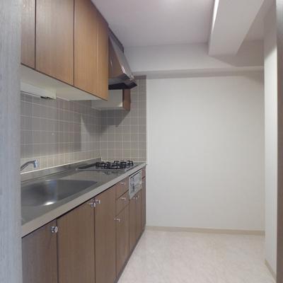 キッチン広い!ゆとりがあるって素晴らしい!※写真は別部屋です
