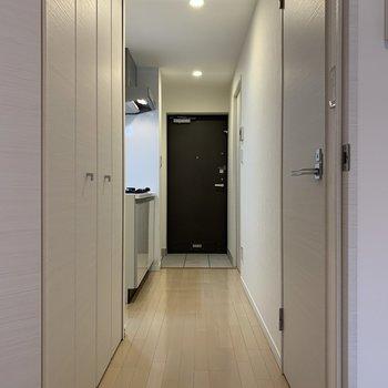 続いてはキッチン。※写真は1階の同間取り別部屋のものです