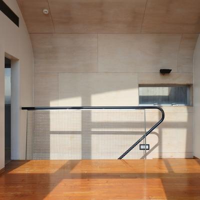丸い天井、というか壁に反射するひかりが素敵。